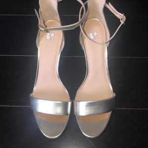 NWT BP Nordstrom brand GOLD SANDAL W/ANKLE STRAP